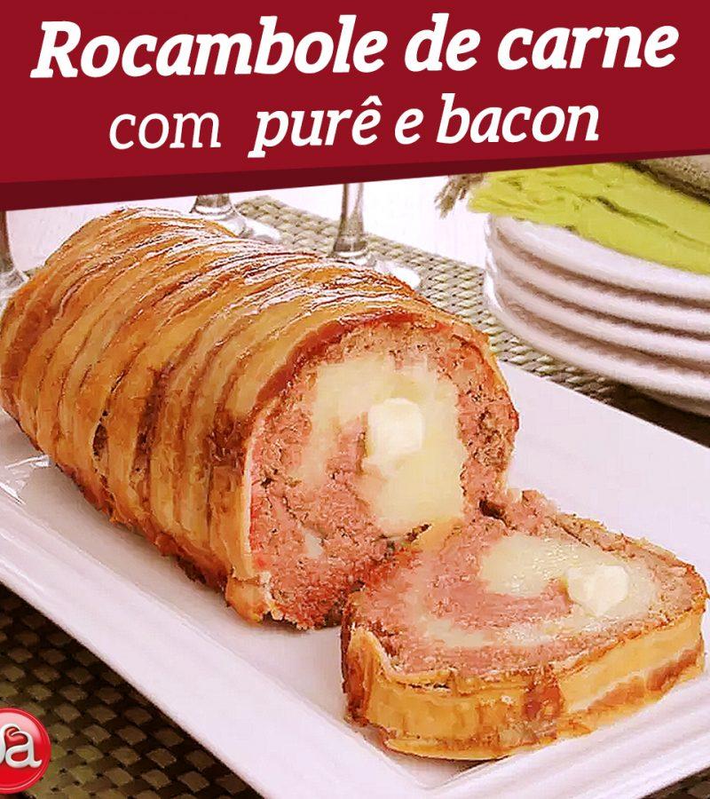Rocambole de carne com purê e bacon.